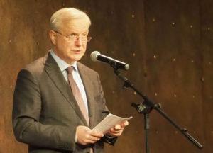 , Pääjohtaja Olli Rehn luennoi UEFin opiskelijoille Aurorassa 26.11.2018, UEF Kamu, UEF Kamu